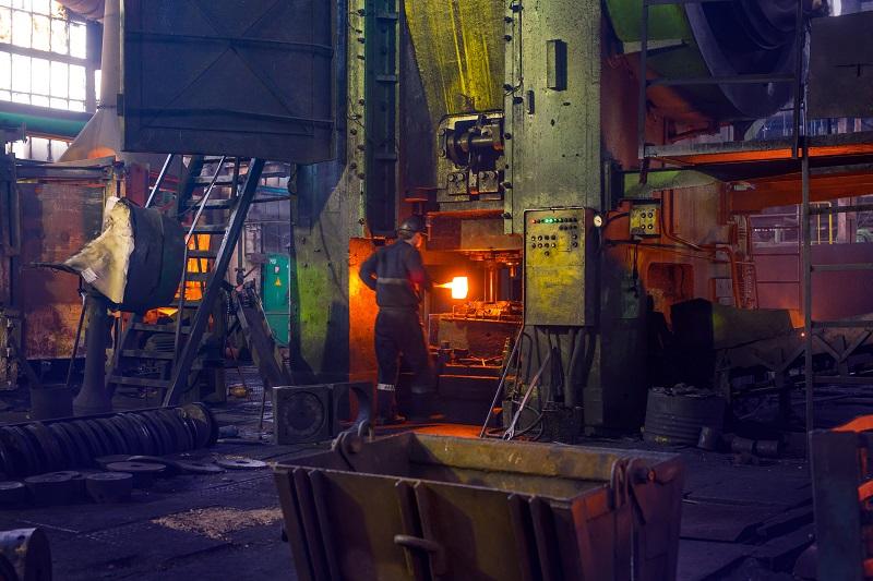 На кузнечном заводе